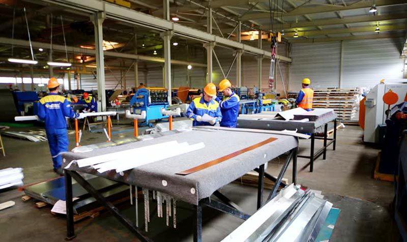Xưởng sở hữu đội ngũ nhân viên lành nghề và trang thiết bị hiện đại tiên tiến bậc nhất
