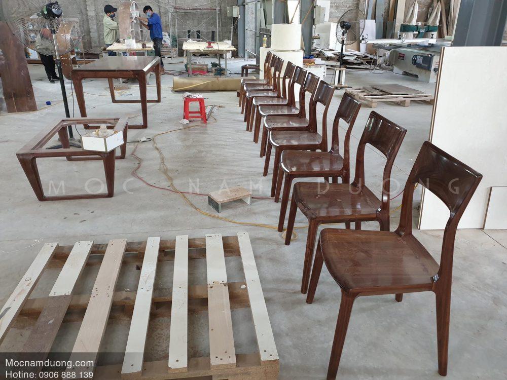Những mẫu ghế ăn gỗ óc chó