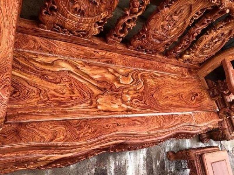 Bàn ghế gỗ Hương Đá có vân khá đẹp