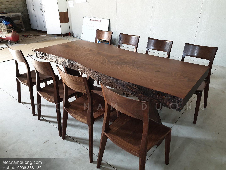 Bộ bàn ăn gỗ óc chó 8 ghế tại Mộc Nam Dương