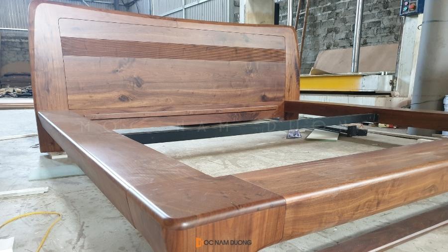Giường ngủ gỗ óc chó