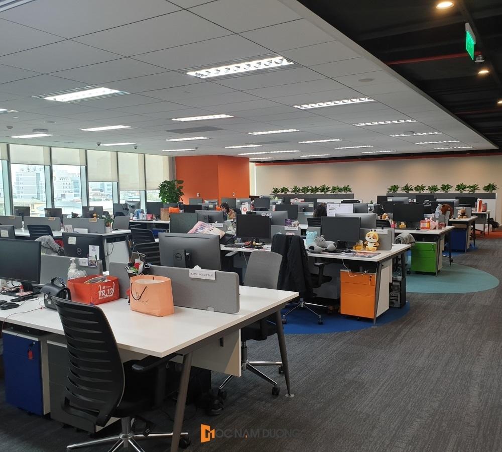 Không gian khu làm việc của nhân viên tại văn phòng