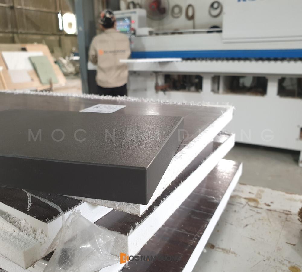 Gỗ được sản xuất từ dàn máy móc hiện đại